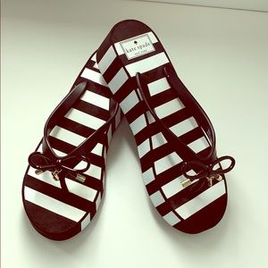 NWOB Kate Spade black and white wedge flip flop